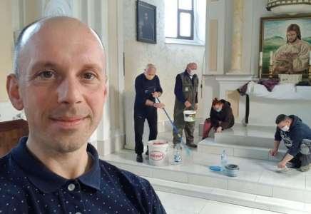 Sveštenik iz Janošika čiji primer slede svi